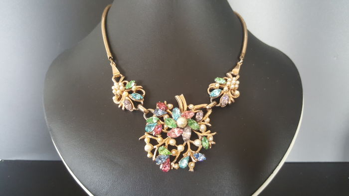 Vintage 12kt gold plated BARCLAY signed Pastel Crystal gold Floral faux pearl Necklace from 1948