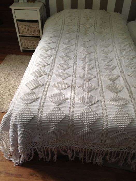 """Justina da Conceição Ferreira Alcântara"" - Single Bed White Cotton Crocheted Quilt,  4200 Gr - 200 X 150 cm  , Portugal"