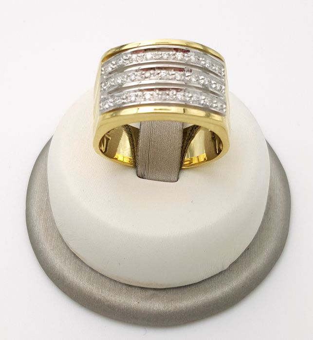 Band ring in 18 kt yellow and white gold with three rows of brilliant cut diamonds, 0.49 ct, weight: 12.03 g