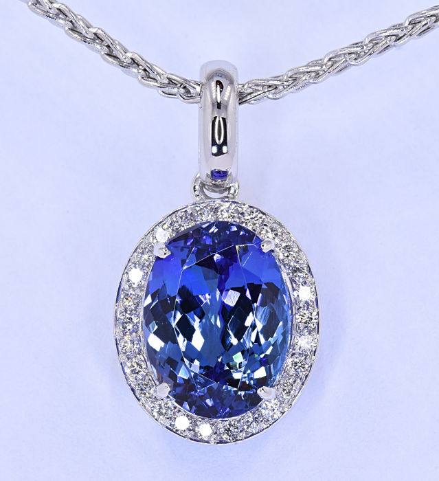6.64 Ct Tanzanite with Diamonds necklace ***NO RESERVE price!***
