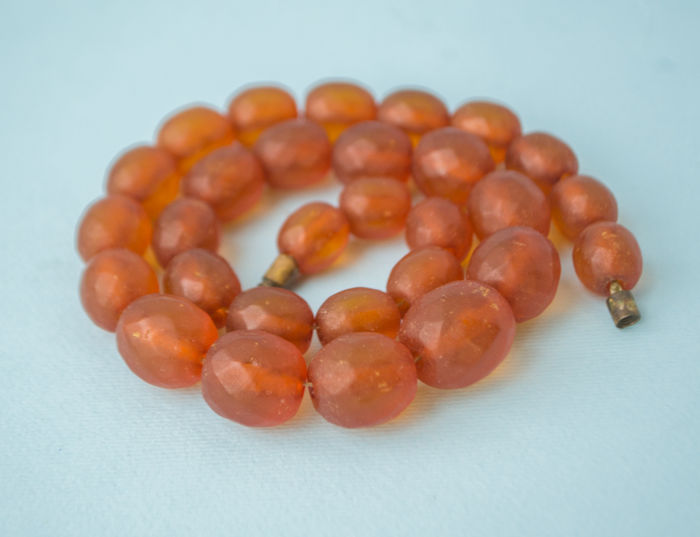 No reserve! Vintage Baltic Amber faceted (cut) necklace, old honey butterscotch colored Amber, 38 gram
