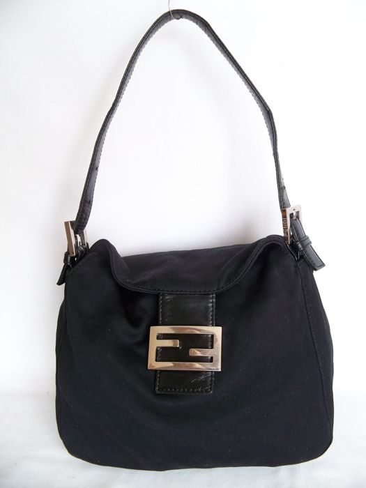 7c5e9a8fd05f Fendi - Handbag Shoulderbag -  No Reserve price  - Catawiki