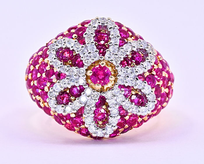 6.19 Ct Ruby and Diamonds, flower ring ***NO RESERVE price!***