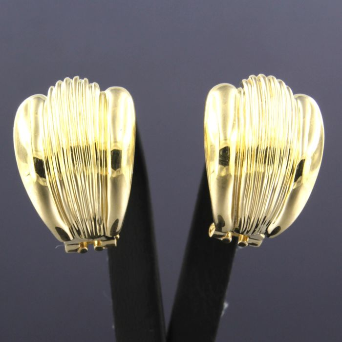 18 kt yellow gold clip-on earrings
