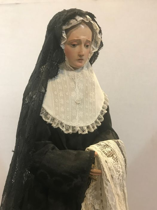 Sculpture of Lady of Sorrows in cap i pota dress - Catalonia or Aragon - early 19th century