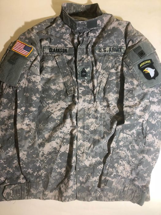 "Fantastic and Rare Original U.S. Coat Army Combat Uniform of a ""MASTER SERGEANT"" (MSG) Nato code ""OR-8"" of 101st Airborne Division.  Afghanistan-Iraq. Completely with all original Patches and the Patch name "" CLARKSON ""."