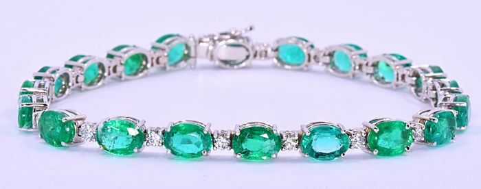 20.27 Ct Emeralds and Diamonds bracelet ***NO RESERVE price!***