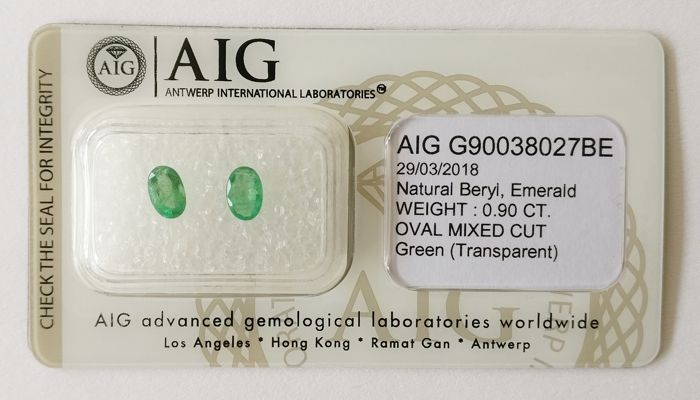 Emerald Green 0.90 ct