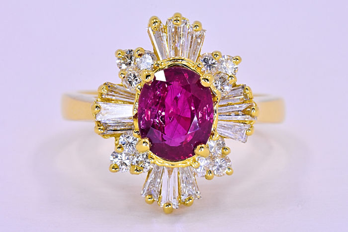 2.77 ct Ruby with Diamonds, ballerina ring ***NO RESERVE price!***