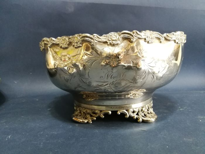 Silver Plated Bowl with decorated edges and engraved monogram MM