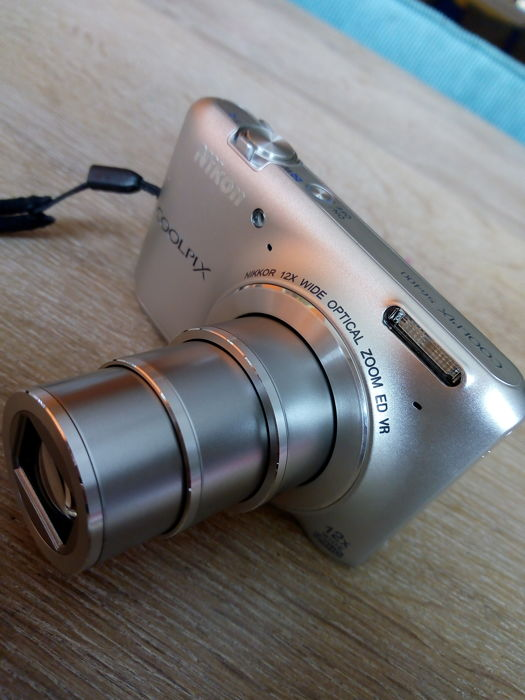 NIKON coolpix S6400 silver edition 12x ED VR ZOOM.