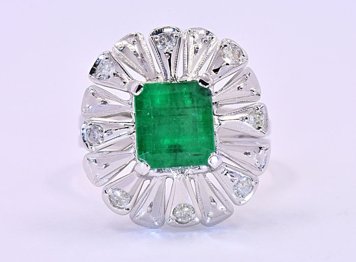 2.33 Ct Emerald with Diamonds, designer ring ***NO RESERVE price!***