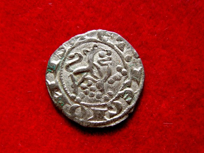 Spain - Alfonso X the Wise (1252-1284) maravedi prieto vellon (0.95 g, 15 mm) No mint mark