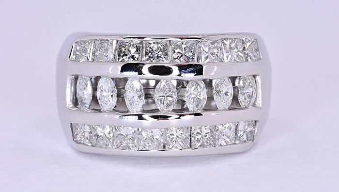 2.43 Ct Diamond marquise ring ***NO RESERVE price!***