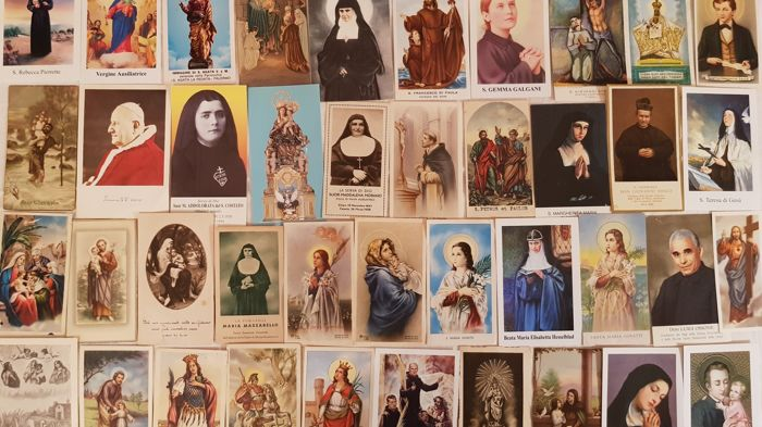 Beautiful lot of 160 holy cards - Saints, blessed God servants, Madonnas and more.