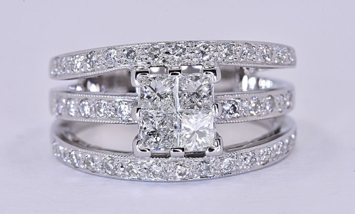 1.35 Ct Diamond princess ring ***NO RESERVE price!***