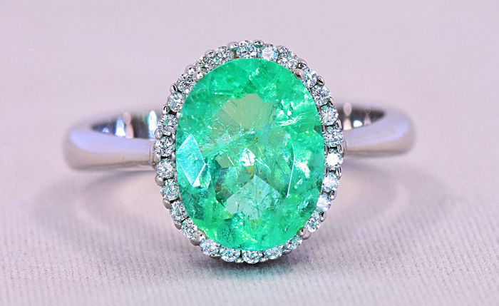 2.75 Ct Emerald and Diamonds ring ***NO RESERVE price!***