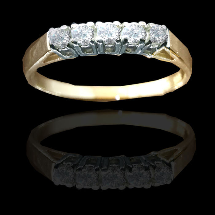 Ring in 14 kt Yellow Gold with 5 diamonds approx. 0.10 ct - RS 59 new condition