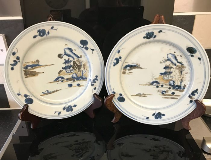 Nanking Cargo blue & enameled plates - China - ca. 1750