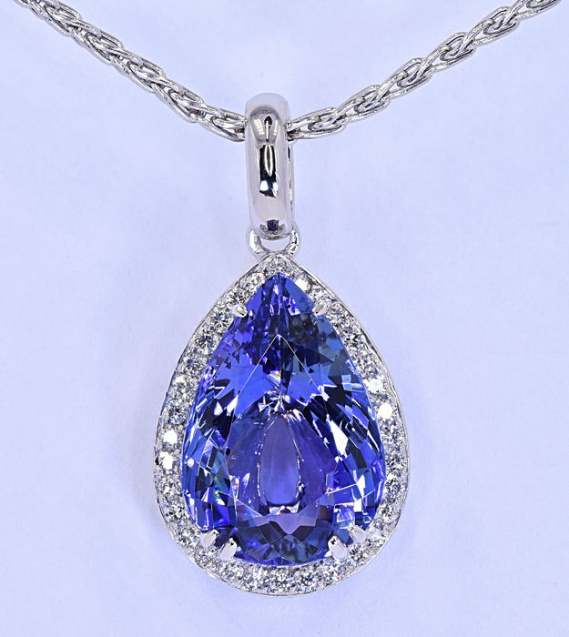 7.41 Ct pear Tanzanite with Diamonds necklace ***NO RESERVE price!***