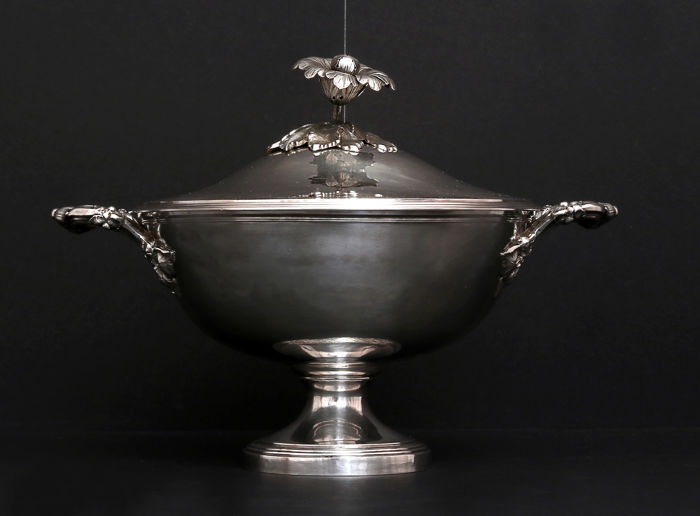 Solid Silver Soup Tureen, France, XIX/XX c.