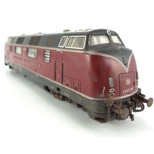 Roco H0 - 43522 - Diesellocomotief - V200 in oudrood, geweathered - DB