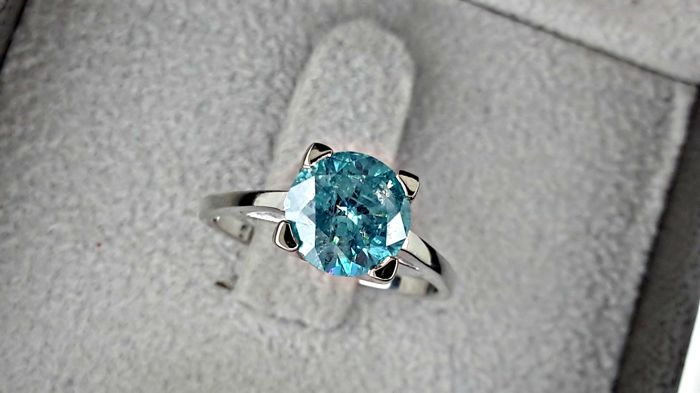 1.71 carat Round Brilliant Cut Fancy Blue Diamond Solitaire Engagement Ring in 14kt  White Gold  *** NO RESERVE PRICE ***