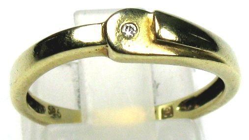 0.02 ct diamond ring W/SI solid 14 Kt/ 585 yellow gold size 54/17.2 mm