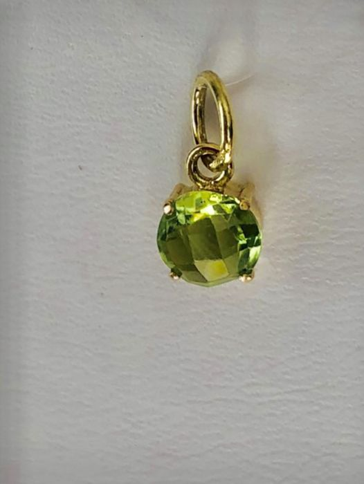 No reserve price 18 kt/750 yellow gold pendant with round cut peridot of 1.10 ct