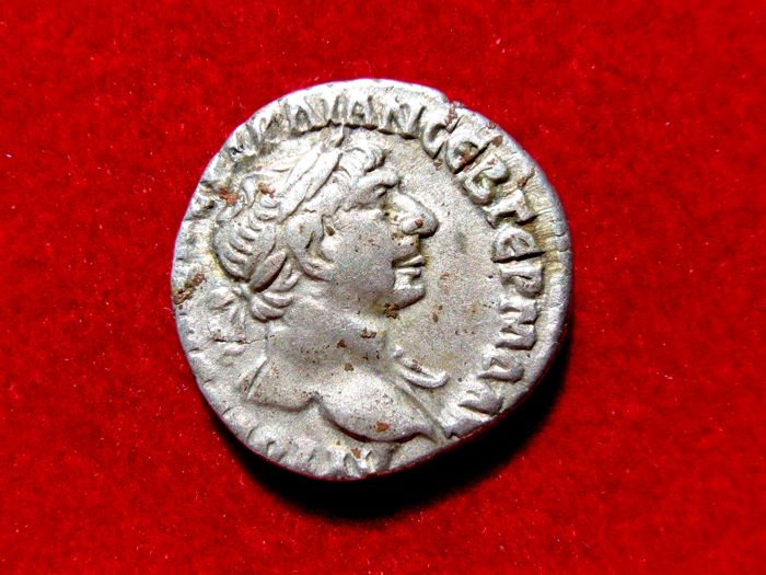 Roman Empire - Trajan (98-117 A.d.) silver drachm (3,25 g. 18 mm.) Bostra mint,  113-115 A.D.