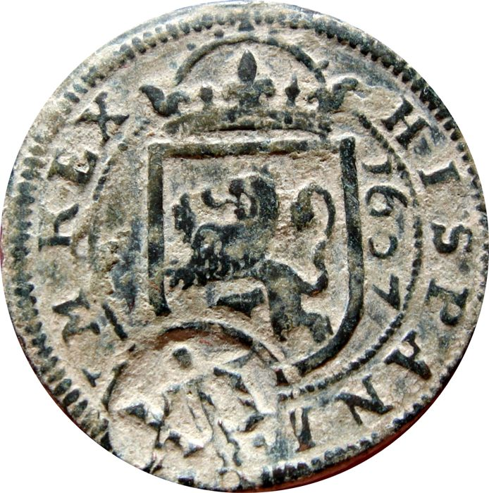 Spain - House of Habsburg:  Felipe III (1598-1621), coin of bronze of 8 maravedies (6.40 g, 28 mm), Segovia, 1607. Re-sealed in XII maravedis from 1641. Perfect double date.