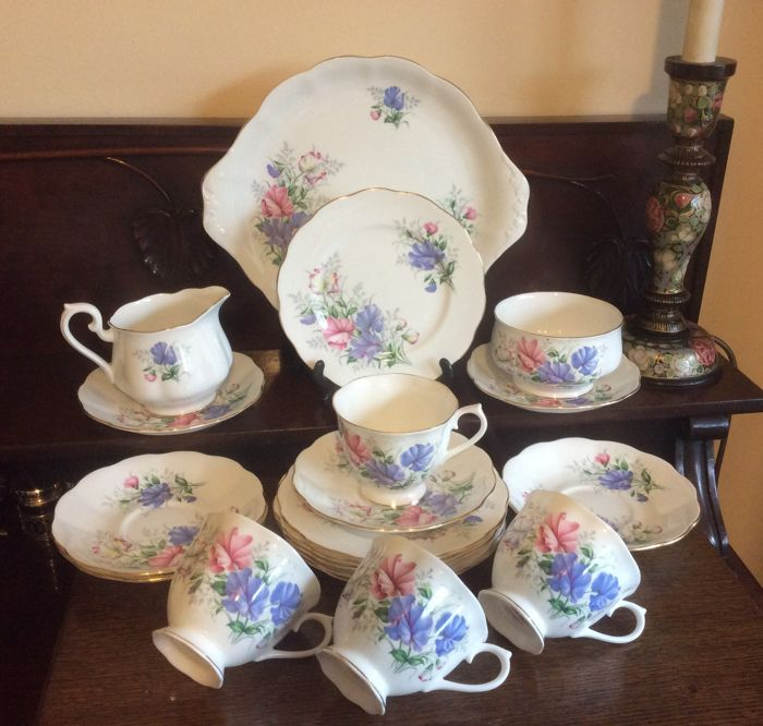 Royal Albert England - Sweet Pea Friendship series bone china tea set for four persons