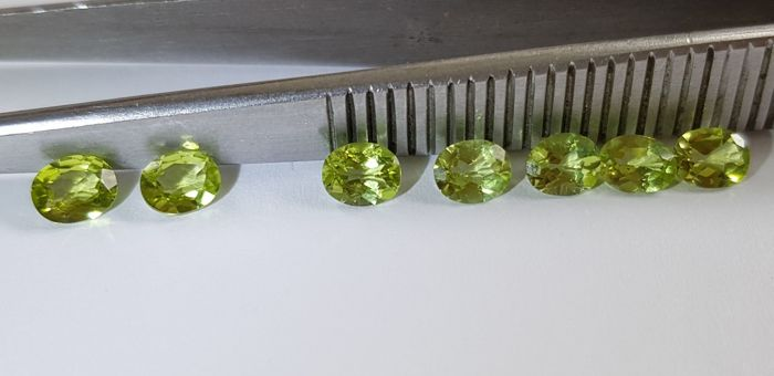 Peridot - Lot of 7 Pieces - 2.36 ct - No reserve price