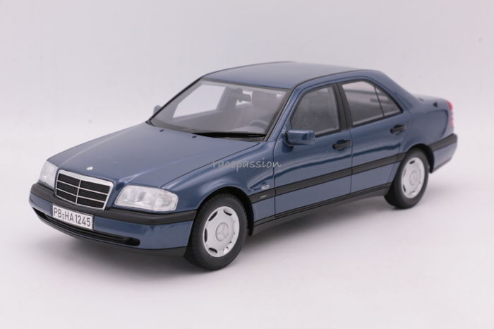 Bos Models - Schaal 1/18 - Mercedes C 220 ( W202)  Saloon - 1995 - Color: Darkblue Metallic - Limited Edition