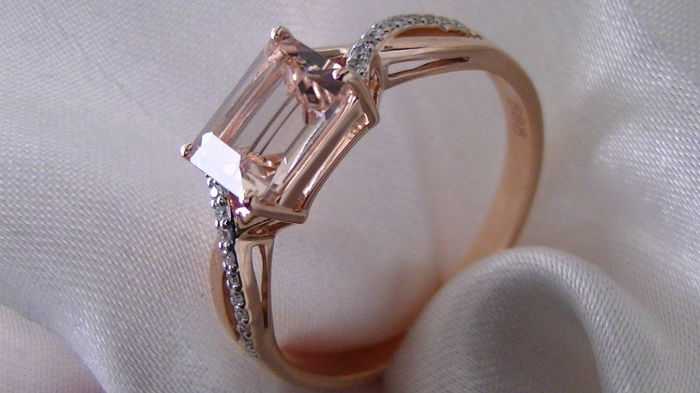 Morganite brilliant ring AAA / 1.20 ct emerald cut rose gold 585 no reserve price
