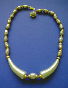 """Exceptional and Very Rare, 1940's """"MIRIAM HASKELL"""" Museum Bookpiece Necklace"""