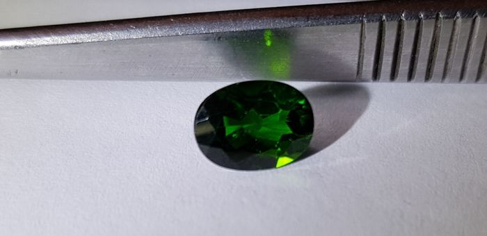 Chrome Diopside - 1.34 ct - No reserve price