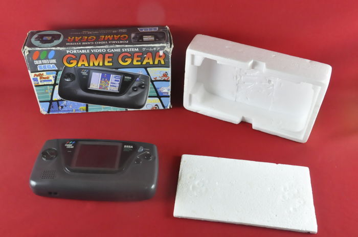 SEGA Game Gear Handheld Console Screen Works at an Angle