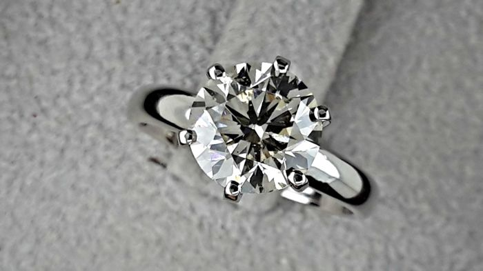 2.25 Ct ct VS1 round diamond ring 14 kt white gold  *** NO RESERVE PRICE ***