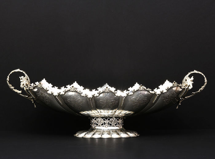Important Silver fruit bowl, center piece, mid. 20th c.