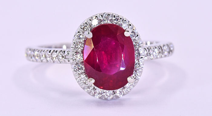 2.56 Ct Ruby with Diamonds, designer ring ***NO RESERVE price!***