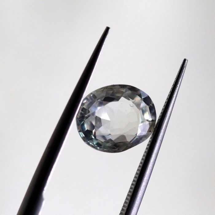 Sapphire - Colorless - 2.64 ct