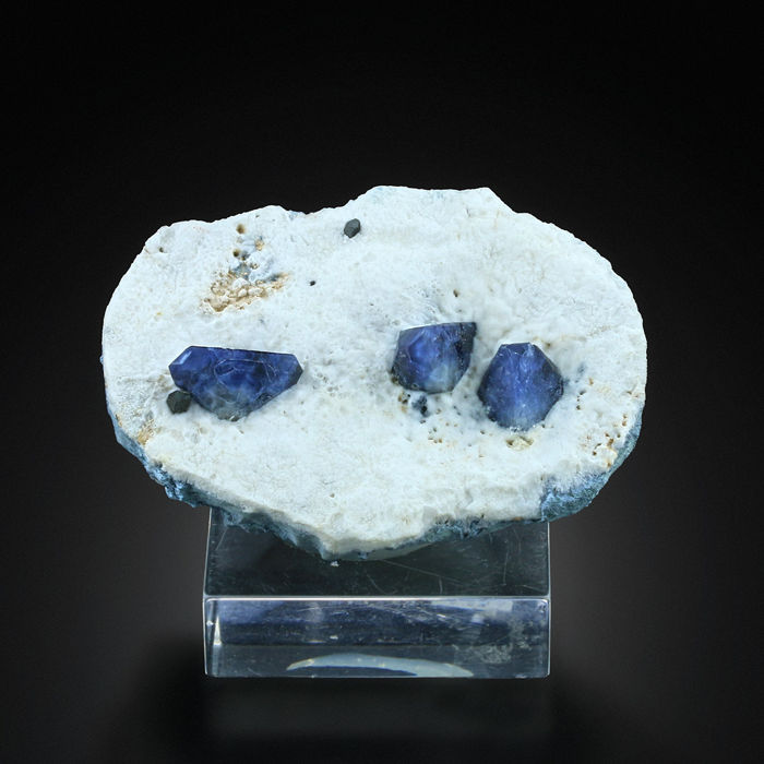 Fine Benitoite with Neptunite from Benitoite Mine - 6.2 x 4.7 x 2 cm - 90 gm