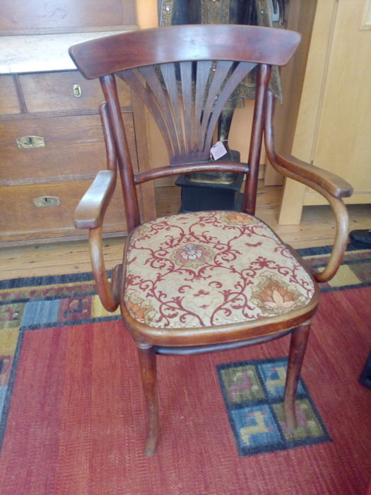 Thonet - Arm Chair with meshwork (upholstered)