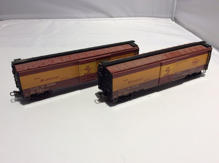 Märklin H0 - 45711 - Goederenwagon - 2 Box Cars (2982) - Milwaukee Road
