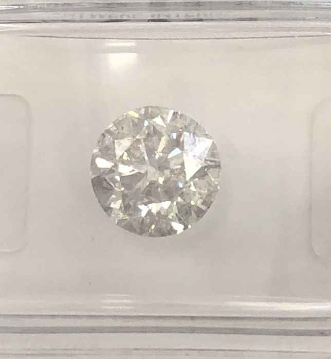 1.51ct  Round Brilliant-Cut  Diamond Natural  color F SI3 +++D90448622