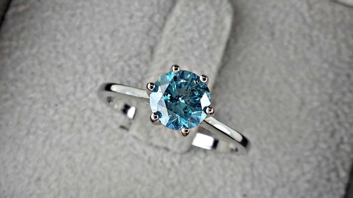 1.09 carat Round Brilliant Cut Fancy Blue Diamond Solitaire Engagement Ring in 14kt  White Gold *** NO RESERVE PRICE **