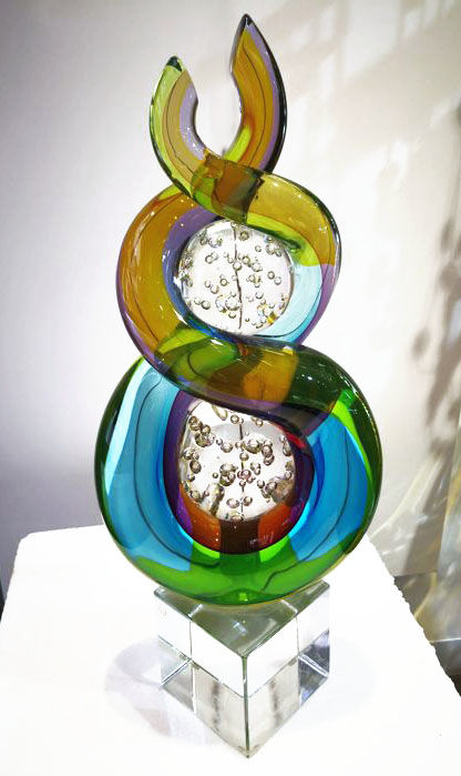 Moro Mariano - abstract sculpture, sommerso coloured glass ribbon with spheres (47 cm)