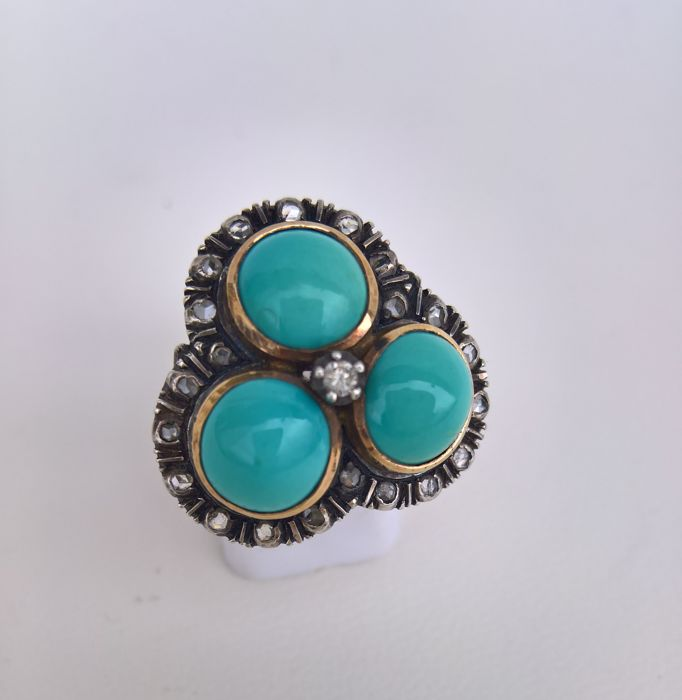 Ring in 19.25 kt Gold and Silver, Antique, From the 40/50s – 3 Turquoise gemstones, diamond, and small flakes