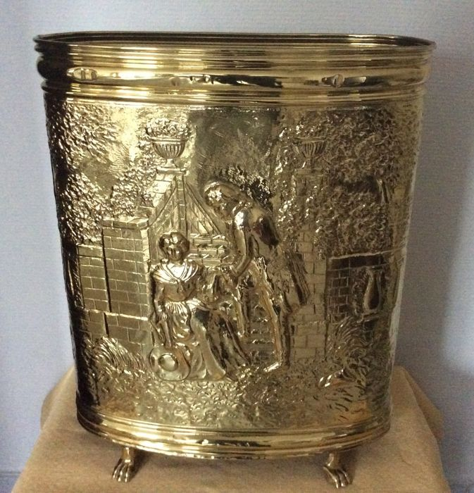 Yellow Umbrella Stand: Oval Yellow Brass Umbrella Stand, Very Nice Condition
